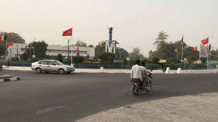 Çad sokakları Türk bayraklarıyla süslendi!