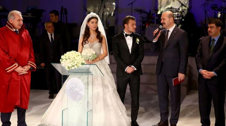 Yıldız futbolcu evlendi!