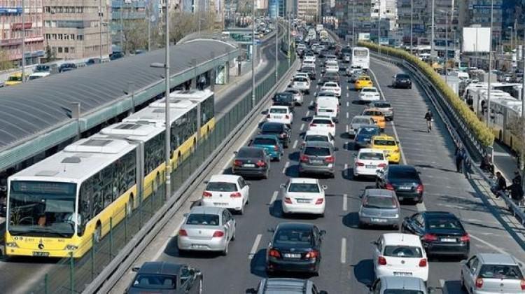 [Resim: trafikte_yeni_donem_resmen_basladi_1515847953_4131.jpg]