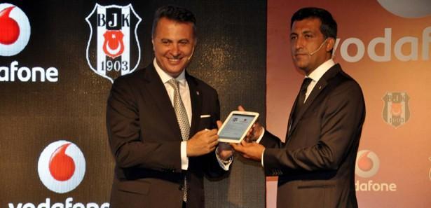 Beşiktaş, Galatasaray'ı ilk kez solladı