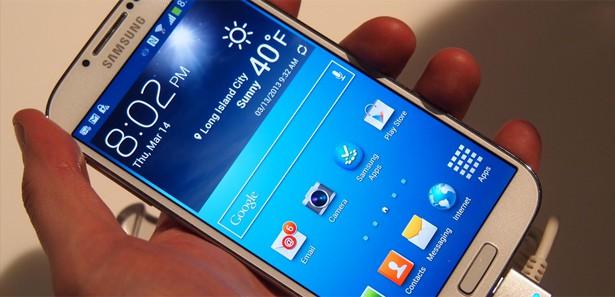 Galaxy S4'ün fiyatı 400 TL birden indi!