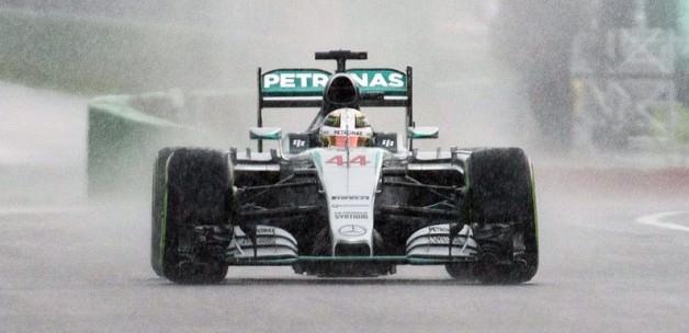 Hamilton 6. kez 'pole' pozisyonunda