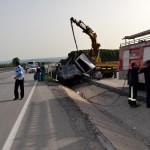 Bursa'da hafif ticari araç devrildi: 2 ölü, 1 yaralı