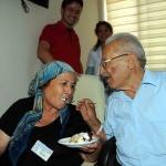 Evlilik yıl dönümlerini hastanede kutladılar