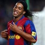 Barcelona'dan Ronaldinho bombası! Geri döndü