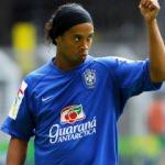 Ronaldinho sürpriz transferi açıkladı!