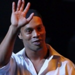 Başkan açıkladı! 'Ronaldinho'yu getiriyorum'