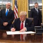 Beyaz Saray'da alarm: Telefonları çıkarın!