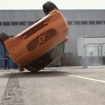 Volvo XC70 takla testinde!