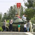 """""""15 Temmuz Demokrosi Anıtına"""" ziyaretçi yoğunluğu"""