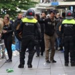Feyenoord yenildi, sokaklar savaş alanına döndü