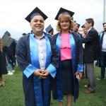 49 yaşındaki çiftin mezuniyet coşkusu