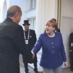 Merkel Cumhurbaşkanı Erdoğan'ı kapıda karşıladı