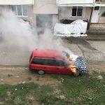 Düzce'de park halindeki araç yandı