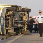 Adana'da tarım işçilerini taşıyan kamyonet devrildi: 10 yaralı