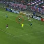 Gustavo Gomez'in kendi kalesine attığı ilginç gol