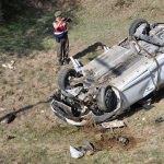 Öğretmenlerin otomobili devrildi: 1 ölü, 2 yaralı