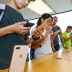 Apple'ın yeni iPhone modelleri Hong Kong'da
