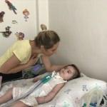 SMA hastası bebeğin ailesinin ilaç sevinci