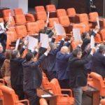 Meclis'te ceza dönemi başladı: Artık vekiller...