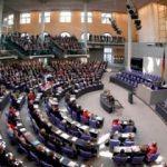 Alman Meclisi karıştı: Yanına oturmam