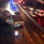 İstanbul'u karıştıran metrobüs kazası kamerada!