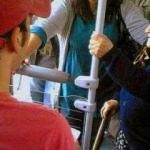 'Toplu taşımada yaşlılara yer vermeyin'