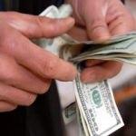 Dolar kritik veriler öncesinde dalgalı