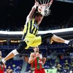Fenerbahçe, Karşıyaka'ya acımadı! 26 sayı fark