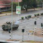 Zimbabve'de darbe oldu! Mugabe gözaltında
