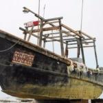 Japonya sahiline hayalet gemi vurdu