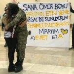 Askerlik dönüşü havalimanında evlenme teklifi