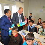 Suriyeli öğrencilere uyum seti dağıtıldı