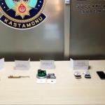 ATM dolandırıcıları suçüstü yakalandı!