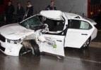 Otomobil kamyonete çarptı: 1 ölü