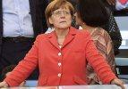 Angela Merkel'in yüreği ağzına geldi