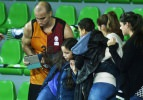 Arroyo tribüne koşup ailesini kurtardı!