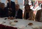 CHP'li vekiller AK Parti'nin bildirgesini izledi