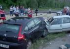 Düğün dönüşü trafik kazası: 12 yaralı