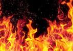 Ümraniye'de boya fabrikasında yangın