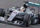 Japonya'da zafer Hamilton'ın!