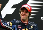 Vettel, Schumacher'i tarihe gömdü!