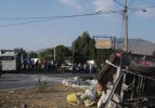 Servis midibüsü traktörle çarpıştı: 1 ölü