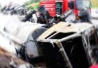 İzmir'de TIR yoldan çıktı: 1 ölü, 1 yaralı