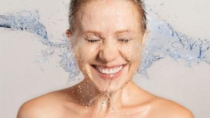 Yüz temizleme nasıl yapılır? Yüz temizlemede en çok yapılan hatalar!