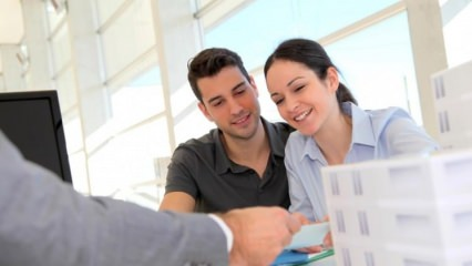 Emlakçı olmadan ev satışına izin yok