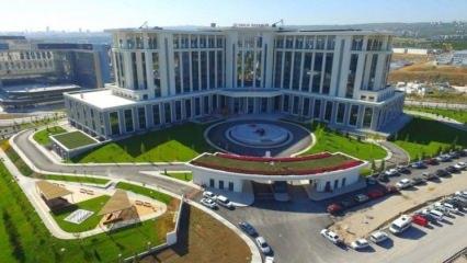Türkiye'nin en büyük hastanesi gün sayıyor